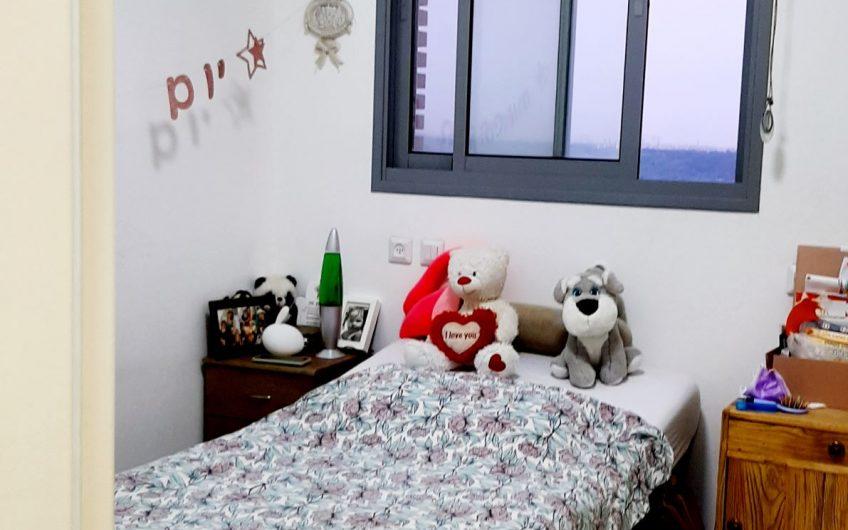 דירת 5 חדרים בראש העין – בקומה גבוהה